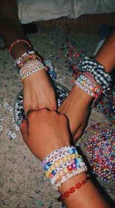 Ideas Quotes Friendship Happy Bff For 2019 Kandi Bracelets, Summer Bracelets, Cute Bracelets, Gold Bracelets, Diamond Earrings, Colorful Bracelets, Pony Bead Bracelets, Friendship Bracelets With Beads, Ankle Bracelets