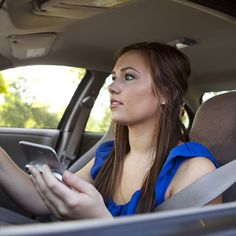 Study Finds Voice-to-Text Apps Don't Increase Driver Safety Texting While Driving, Distracted Driving, Driving Safety, Driving Tips, Perfect Emoji, Family Vloggers, Dont Text And Drive, It Can Wait, Teen Driver