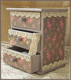 41 pieces of wooden jewelry box models - wood painting objects - wood painting wood . - 41 pieces of wooden jewelry box models – wood painting objects – wood painting wood jewelry box - Decoupage Furniture, Decoupage Box, Decoupage Vintage, Vintage Crafts, Wooden Painting, Tole Painting, Jewelry Box Makeover, Shabby Chic Crafts, Wooden Jewelry Boxes