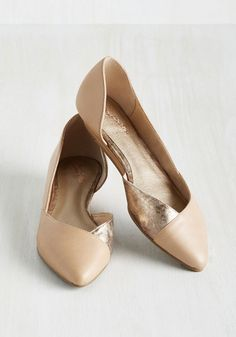 Seychelles Advantage Leather Wedge in Latte
