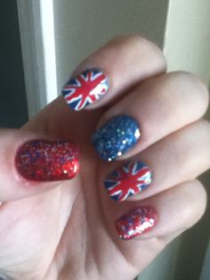 British flag nails! Fun and festive for those who love anything Brit!