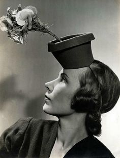 Topseller: the flowerpot hat. 1940.seriously what the hell were they thinking