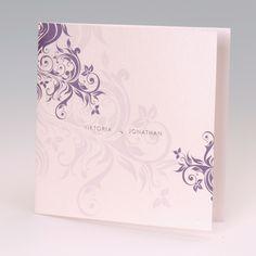 EINLADUNGS- oder HOCHZEITSKARTE  Farbe: Creme-Weiß mit violett-floralem Muster, Papier: matt-gestrichenes Feinstpapier, Format: 15 x 15 cm geschlossen (BxH), 30 x 15 cm offen (BxH), Veredelungen: Heißfolienprägung, Umschläge: Passend lieferbar und in anderen Farben erhältlich, Besonderheiten: florales Muster, Heißfolienprägung und Glitzersteinchen