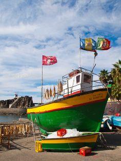 #CamaraLobos #Madeira #boat