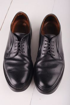 Vintage Alden Black Leather Oxfords mens 7 by TheOldWell Men's Shoes, Dress Shoes, Traditional Dresses, Oxfords, Oxford Shoes, Black Leather, Lace Up, The Incredibles, Pairs