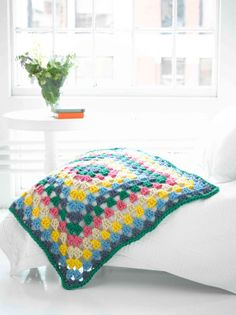 Granny Afghan pattern - the whole thing looks like one giant granny square! Adorable.