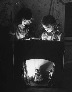 Photo: Frank Scherschel | puppets | children playing | little girls | puppet show | light & shade | black & white | fantastic photograph | sweet | cute | adorable