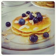 Wanted something sweet, fruity and protein-packed for brekkies. Added a scoop of vanilla whey powder to standard pancake recipe (flour, egg, milk, pinch of baking powder)... Serve with fresh blueberries, sliced almonds and honey (or good maple syrup). Use a spatula to fold instead of beat the batter for light, fluffy pancakes. #breakfast #cooking #eatright #food #foodie #foodporn #kitchen #nutrition #pancakes #protein #recipe