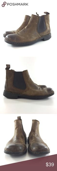 BOC Born 10/EUR 42 Brown Pull On Ankle Boot BOC Born 10/EUR 42 Brown Pull On Ankle Boot Distressed Look/Style have plenty of life left in them  - Mens Boots in brown distressed leather pull on boots - Pre-loved condition with leather creases/scratches/scuffs/scrapes - Outer part of heels have wear - see photos Born Shoes Boots
