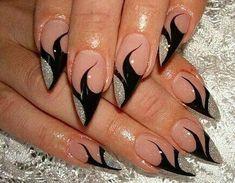 Nail art ideas for black and silver nail polish❤ Punk Nails, Cat Nails, Fancy Nails, Pretty Nails, Black Silver Nails, Pointed Nails, Nail Art Kit, Latest Nail Art, Cool Nail Designs