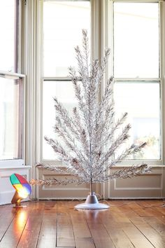 Get Rid of Christmas Clutter: 5 Things to Toss Right Now