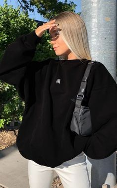 Fashion Now, Tomboy Fashion, Fashion Outfits, Vest Outfits, Indie Outfits, Looks Pinterest, Mein Style, Cute Sweatshirts, Sweatshirt Outfit