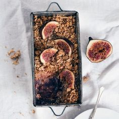 Fig and pear crumble