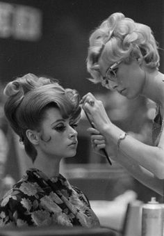 Behind the scenes, retro-style. #beauty
