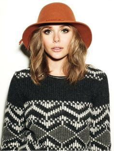 Elizabeth Olsen, she looks just like her sisters! LOOOVE THE HAT AND SWEATER COMBO!