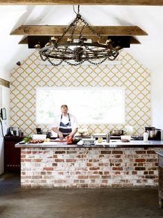 New kitchen wall tiles ideas bricks 41 Ideas Kitchen Interior, New Kitchen, Kitchen Decor, Kitchen Island, Kitchen Ideas, Green Kitchen, Kitchen Cabinets, Brick Tiles Kitchen, Recycled Brick