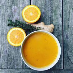 Deze overheerlijke frisse wortelsoep kan als volwaardige maaltijd gegeten worden. Deze maaltijdsoep van wortel, sinaasappel en gember bevat een grote hoeveelheid goede voedingsstoffen.
