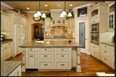 149 Best Antique White Kitchen Cabinets Design Photos Images In