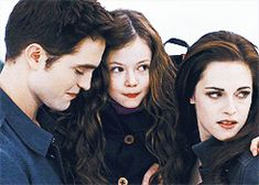 Un rire de Famille ( Edward, Renesmée et Bella)