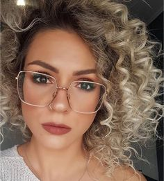 Glasses For Round Faces, Big Glasses, Glasses Outfit, Fashion Eye Glasses, Popular Eyeglass Frames, Rose Gold Glasses, Glasses Frames Trendy, Glasses Trends, Lunette Style