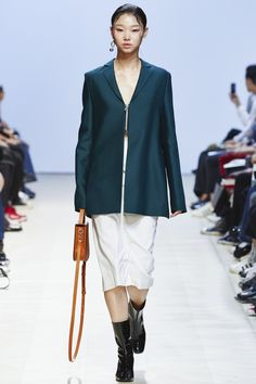 Low Classic Seoul Spring 2016 Collection Photos - Vogue