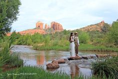 photo spot for between the wedding and reception, red rock state park