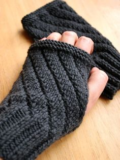 Knitting pattern for Darting Diagonals fingerless gloves - Knit on straight needles and seamed, this is one skein project.
