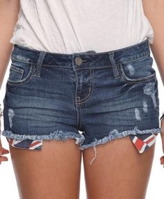Forever 21 is the authority on fashion & the go-to retailer for the latest trends, styles & the hottest deals. Shop dresses, tops, tees, leggings & more! Ripped Shorts, Denim Cutoffs, Summertime Outfits, British Invasion, British Style, Short Girls, Dress Me Up, What To Wear, Latest Trends