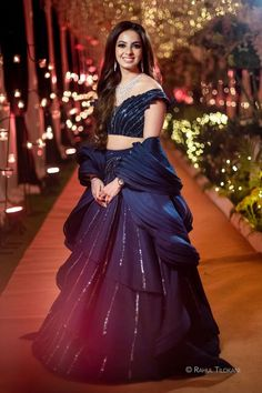 Indian Wedding Gowns, Party Wear Indian Dresses, Indian Gowns Dresses, Indian Bridal Outfits, Dress Indian Style, Indian Fashion Dresses, Indian Designer Outfits, Designer Gowns, Wedding Dresses