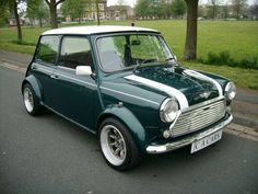 austin mini cooper in forest green. Mini Cooper Classic, Classic Mini, Classic Cars, Jaguar, My Dream Car, Dream Cars, Peugeot, Mini Morris, Austin Cars