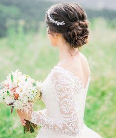Özgür Dinçer - Istanbul Bridal Hair and Makeup - saçlar Veil Hairstyles, Wedding Hairstyles With Veil, Formal Hairstyles, Bridal Hair And Makeup, Hair Makeup, Pelo Formal, Updo With Headband, Vintage Wedding Hair, Bridal Headpieces