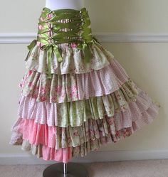 I would love to make a skirt like this. CUTE!