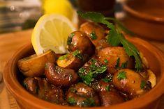 Tapas: Fried mushrooms with garlic - - Fried Mushrooms, Stuffed Mushrooms, Garlic Mushrooms, Chorizo, Chutney, Tapas Bar, Mary Recipe, Sauce Barbecue, Bacon