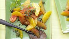 Fruchtig spritziges Dessert: Erfrischung pur: Blutorangensalat mit Vanille-Minz-Zucker   http://eatsmarter.de/rezepte/blutorangensalat