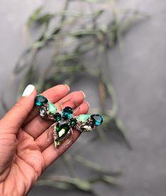 Идеальное сочетание цветов Жук сделан на заказ Есть идея сделать в таких цветах морского конька или стрекозу #handmade #handmade_ru_jewelry #handmadeaccessories #брошь #брошьизбисера #crimea #fashion #style #moscow #fashionblog #embroidery
