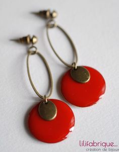 Love this color red Enamel Jewelry, Copper Jewelry, Clay Jewelry, Cute Earrings, Beaded Earrings, Geometric Jewelry, Bijoux Diy, Simple Jewelry, Jewellery Storage