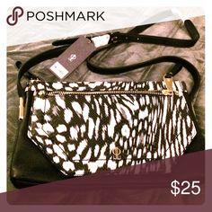 Jennifer Lopez cross body purse. J lo cross body purse new with tags. Jennifer Lopez Bags Crossbody Bags