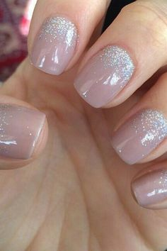 Manicure for short nails 2 Manucure pour les ongles courts 2 - Nail Designs Cute Nails, Pretty Nails, My Nails, Shellac Nails Glitter, Nails 2017, Nude Nails With Glitter, Sparkle Nails, Blue Glitter, Shellac Manicure