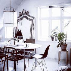 """46 kedvelés, 1 hozzászólás – Karolina Tomaszewicz-Kôteleky (@karolinatomaszewicz) Instagram-hozzászólása: """"Monochrome #black #white #interior #design #monochrome #pure #clean #inspiration"""""""