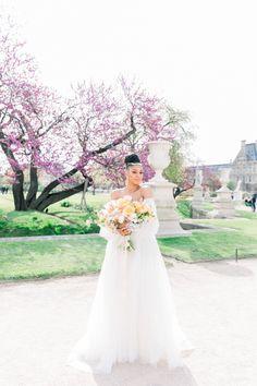 Vibrant Modern Bridal Inspiration in Paris Vibrant, Princess Castle, Eiffel, Paris Photos, Bridal Portraits, Beautiful Bride, Modern, Louvre, Romantic