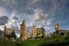 Sheriff Hutton Castle►►http://www.castlesworldwide.net/castles-of-england/north-yorkshire/sheriff-hutton-castle.html?i=p