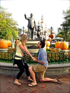 25 cuteness overload from disney proposal ideas 14 - Beauty of Wedding Wedding Proposals, Marriage Proposals, Disney Dream, Disney Love, Engagement Pictures, Wedding Pictures, Wedding Ideas, Engagement Ideas, Wedding Poses