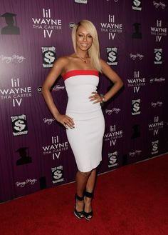 Keri Hilson Keri Hilson Hairstyles, Bob Styles, Short Hair Styles, Style And Grace, My Style, Angled Bob Hairstyles, Types Of Women, Straight Skirt, Lovely Dresses