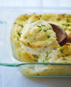 Smooth And Creamy Mashed Potatoes Recipe.BEST Creamy Mashed Potatoes Made In 30 Mins! Best Mashed Potatoes Recipe With Garlic And Thyme Sugar . Cauliflower Mashed Potatoes Recipe A Sweet Pea Chef. Home and Family Vegan Mashed Sweet Potatoes, Cream Cheese Mashed Potatoes, Smashed Potatoes Recipe, Mashed Potato Casserole, Making Mashed Potatoes, Mashed Potato Recipes, Cauliflower Casserole, Potato Dishes, Veggie Dishes