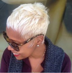 Blonde pixie ~ Love this look! Blonde Pixie, Short Blonde, Blonde Hair, Ethnic Hairstyles, Pixie Hairstyles, Pixie Haircuts, Short Hair Cuts, Short Hair Styles, Pixie Styles