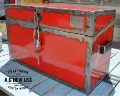 Baúl en hierro, con doble fondo. Trunk iron , with double bottom @agnewuse Craftsman Custom Work Tarifa #Craftsman #handmade #hechoamano