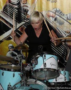 Diane Schroeder of Cinecyde. Detroit All-Star Garage Rock Punk Revue held at PJ's Lager House, Detroit, Michigan, August 6, 2016. #cinecyde #detroitallstargaragerockpunkrevue #detroitpunk #punk