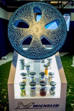 At Movin'On Michelin introduced VISION, its concept tire, which is a concentration of technologies. This concept tire, which is airless, 3d Printing Materials, 3d Printable Models, Modeling Techniques, 3d Printing Service, Recycled Materials, Design Process, Biodegradable Products, Printing Process, 3d Printer
