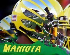Mariota with Autzen Stadium in the helmet reflection! #GoDucks