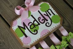Handpainted and Personalized HairBow Holder --- sooo cute!